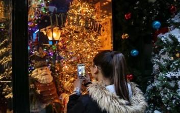 Πώς θα λειτουργήσουν τα καταστήματα έως την παραμονή Πρωτοχρονιάς