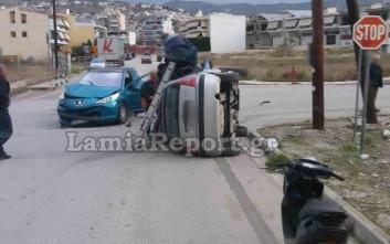Σφοδρό τροχαίο με ντεραπαρισμένο όχημα στη Λαμία