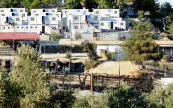 Έφτασαν 50 οικίσκοι στη Μόρια για τη στέγαση προσφύγων και μεταναστών