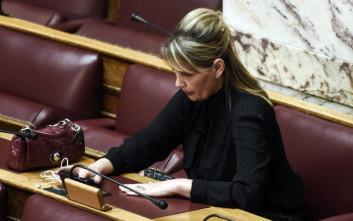Η Κατερίνα Παπακώστα στηρίζει την Μποφίλιου: Λυπάμαι, ξύσαμε πάτο