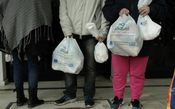 Διανομή δεμάτων από την «Αποστολή» σε χιλιάδες οικογένειες που έχουν ανάγκη