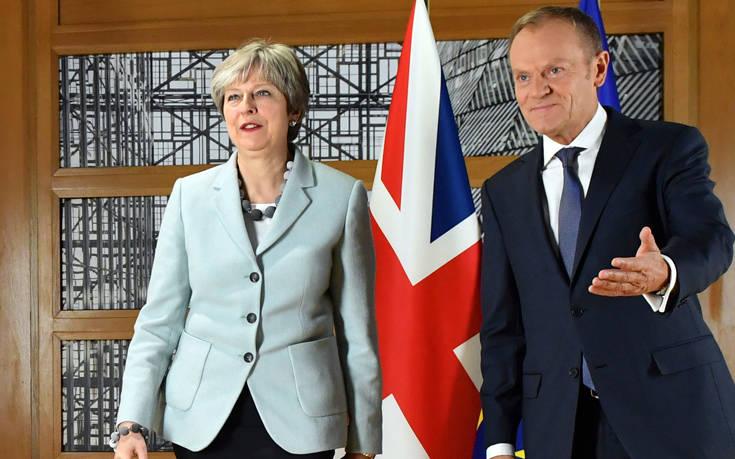 «Πιο πιθανό παρά ποτέ το σκληρό Brexit»