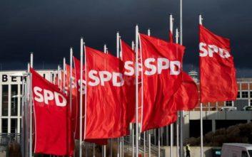 Υπέρ της παραμονής του στον κυβερνητικό συνασπισμό αποφάσισε το SPD
