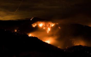 Μεγαλύτερη από τη Νέα Υόρκη η έκταση που καίγεται στην Καλιφόρνια
