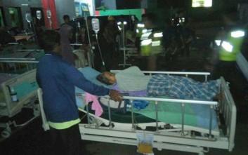 Δεκάδες αγνοούμενοι από ανατροπή σκάφους στην Ινδονησία