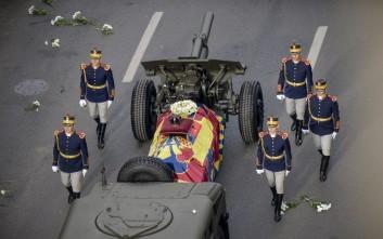 Χιλιάδες Ρουμάνοι αποχαιρέτισαν τον βασιλιά Μιχαήλ
