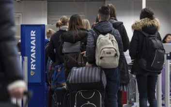 Σε στάση εργασίας οι πιλότοι της Ryanair