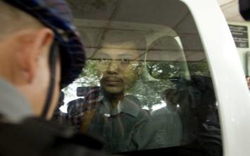 Παραμένουν στη φυλακή οι δημοσιογράφοι του Reuters