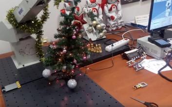 Ρομπότ των… Χριστουγέννων παρουσίασε το πανεπιστήμιο Δυτικής Μακεδονίας