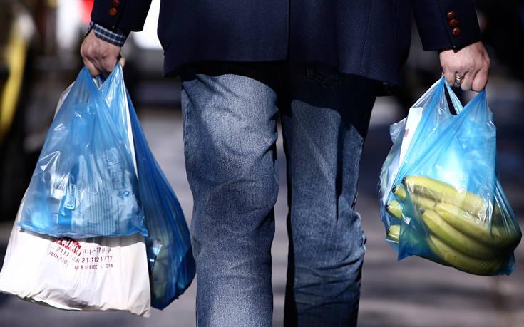 Πότε θα γίνουν οι δηλώσεις για το τέλος της πλαστικής σακούλας