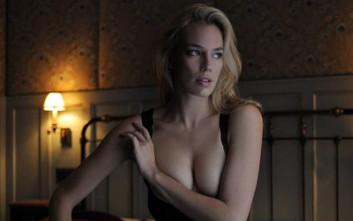 Μοντέλο καταγγέλλει: Φωτογράφος ζήτησε να φτύνω το στήθος μου
