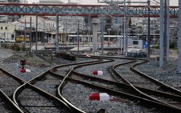Αναστέλλεται η αυριανή απεργία σε τρένα και προαστιακό