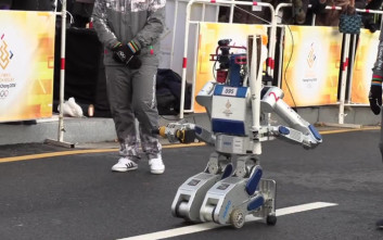 Δύο ρομπότ-λαμπαδηφόροι για τους Χειμερινούς Ολυμπιακούς στη Νότια Κορέα
