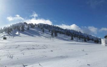 Χιόνισε στη Βασιλίτσα, ετοιμασίες για να ανοίξει το χιονοδρομικό