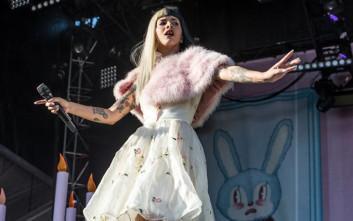 Φίλη κατηγορεί τραγουδίστρια ότι τη βίασε με σεξουαλικό βοήθημα