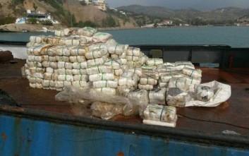 Περισσότεροι από έξι τόνοι «σοκολάτας» στο πλοίο ανοιχτά της Κρήτης