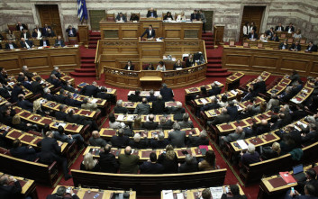 Υπέρ του νομοσχεδίου για την αναδοχή ο Παπαχριστόπουλος των ΑΝΕΛ και ο Χάρης Θεοχάρης