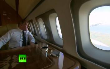 O Πούτιν «τσέκαρε» τα μαχητικά που τον συνόδευσαν στη Συρία
