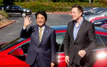 O Elon Musk σκοπεύει να στείλει ένα κόκκινο Tesla στον… Κόκκινο Πλανήτη