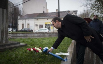 Ο Αλέξης Τσίπρας στο μνημείο του Ελευθερίου Βενιζέλου στο Βελιγράδι