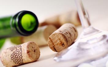 Πώς να κλείσετε ξανά ένα μπουκάλι κρασί