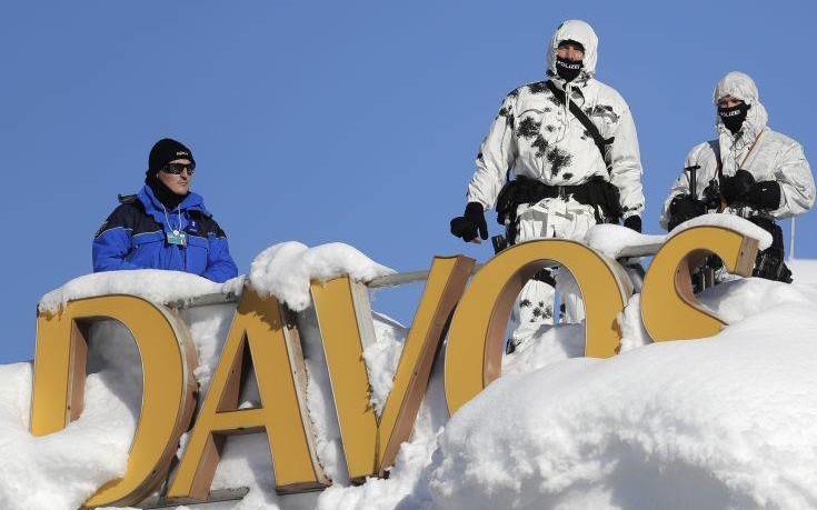 Περπάτησε 2 χιλιόμετρα στο χιόνι ο Τσίπρας για να φτάσει στο Νταβός