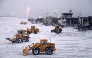 Εκατοντάδες πτήσεις ακυρώθηκαν στη Νέα Υόρκη εν αναμονή χιονοπτώσεων