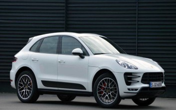 Ρεκόρ πωλήσεων από την Porsche το 2017