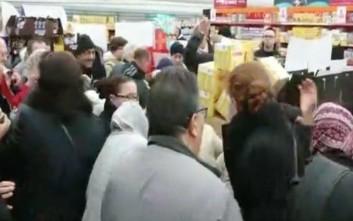 Χάος σε σουπερμάρκετ της Γαλλίας για μια απίθανη και… γλυκιά προσφορά