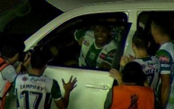 Πανηγύρισε γκολ με είσοδο μέσα σε αυτοκίνητο χορηγού