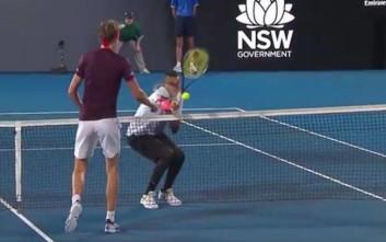 Μπαλάκι του τένις χτύπησε στο πρόσωπο τον Κύργιο