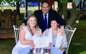Φρενίτιδα γάμων τα πρώτα λεπτά της Τρίτης στην Αυστραλία