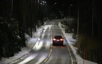 «Έξυπνα» φώτα δρόμου ανάβουν όταν… περνά αυτοκίνητο