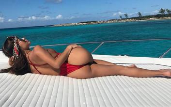 Η Arianny Celeste είναι ένα σέξι «ring girl»