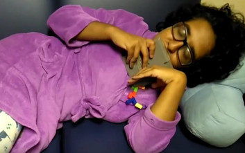 Γυναίκα σκοπεύει να παντρευτεί ένα… Tetris, αφού η σχέση της με το κομπιουτεράκι ναυάγησε