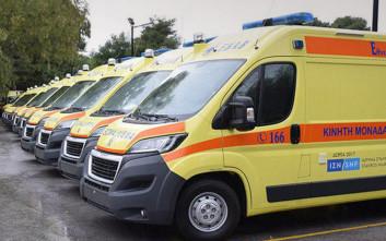 Παραδίδονται τα ασθενοφόρα που δώρισε το ίδρυμα «Σταύρος Νιάρχος» στο ΕΚΑΒ
