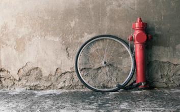 Ποδηλάτης παρέσυρε 9χρονο σε κεντρικό πεζόδρομο της Λαμίας