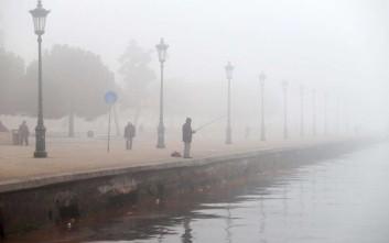 Συνεχίζεται η ταλαιπωρία στο «Μακεδονία» λόγω της ομίχλης