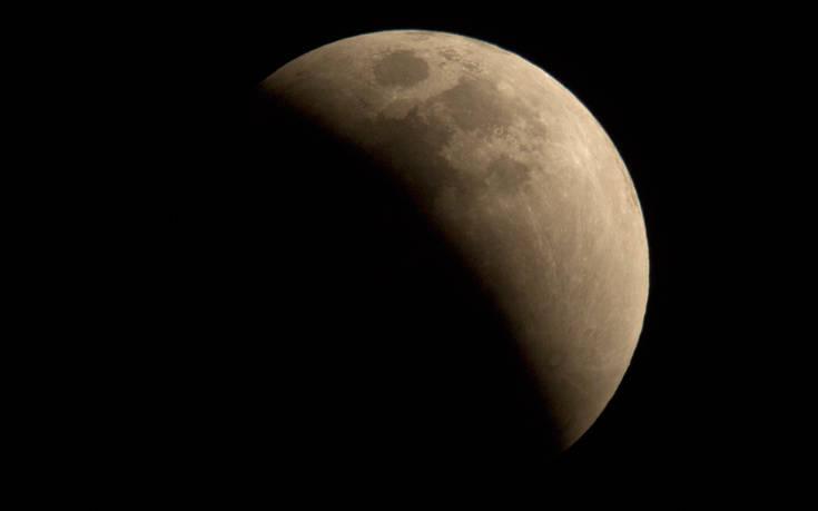 Επιστροφή στη Σελήνη σε πέντε χρόνια το πολύ σχεδιάζουν οι ΗΠΑ