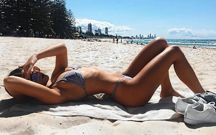 Η μελαχρινή Αυστραλή γοητεύει
