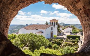 Ένα μεσαιωνικό ορεινό χωριό με παρθένα γοητεία