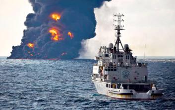 Μεγάλη πετρελαιοκηλίδα στην Σινική Θάλασσα μετά τη βύθιση δεξαμενοπλοίου