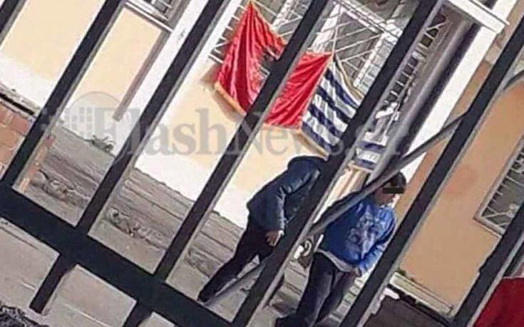 Μαθητές Γυμνασίου έκαναν κατάληψη για την αλβανική σημαία στο σχολείο τους