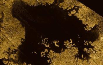 Θάλασσες και λίμνες σε δορυφόρο του Κρόνου
