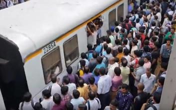 Μια απλή καθημερινή σε ένα τρένο της Ινδίας