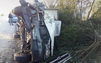 Μικρό φορτηγό ντελαπάρισε στην εθνική οδό Χανίων – Ρεθύμνου