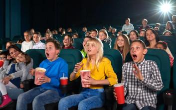 Σχολείο πάει να δείξει ταινία σε παιδάκια, προβάλλει τελικά πορνό!
