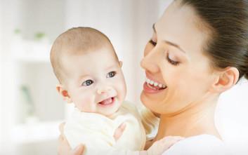 Πώς θα μειώσετε το λόξιγκα του μωρού