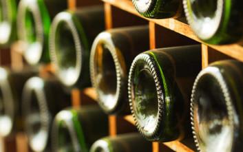 Τι ισχύει για την ανάκληση φορολογικών αποθηκών οίνου και την καταβολή ΦΠΑ