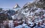 Το γραφικό θέρετρο με φόντο το πιο φωτογραφημένο βουνό του κόσμου